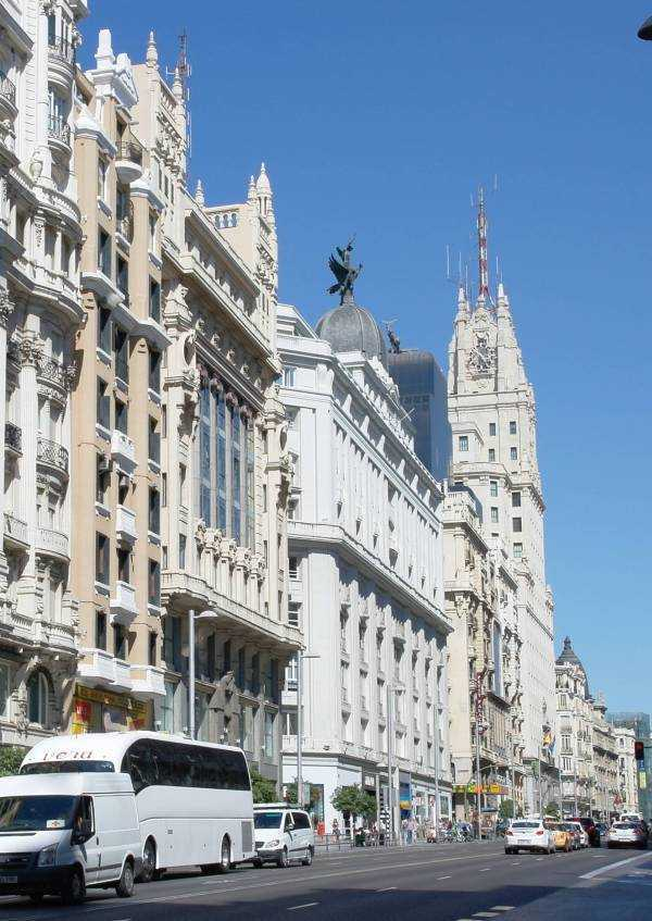 Edificio de Telefónica -Gran Via - Madrid