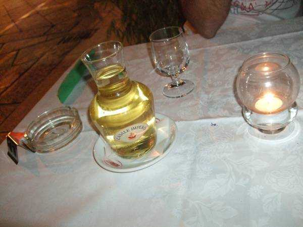 Sevimli Karafta Şarap Keyfi