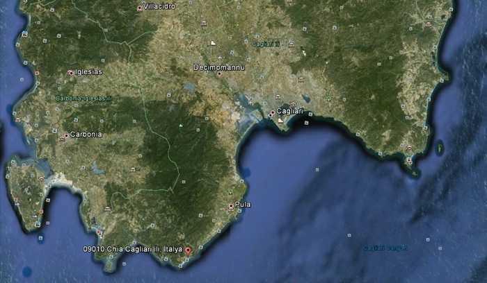 Cagliari'ye yakın koylar - Google Earth uydu haritası