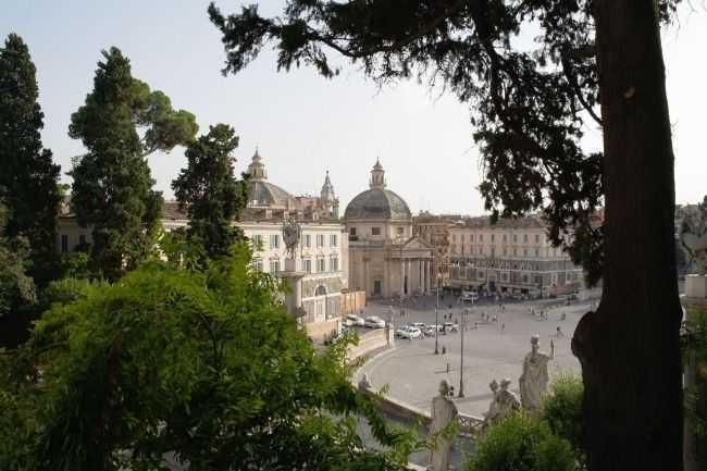 Popola Meydanı