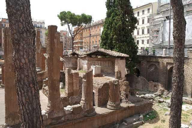 Roma sokaklarında kalıntılar