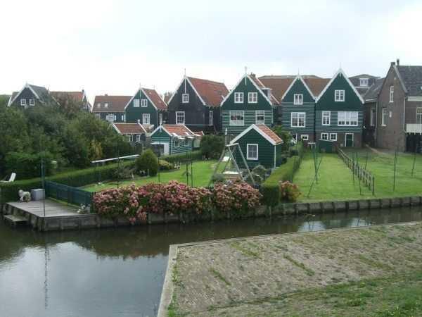 Marken evleri