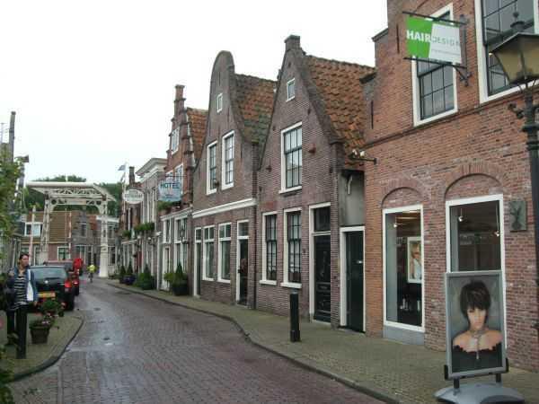 Edam kasabası sokakları