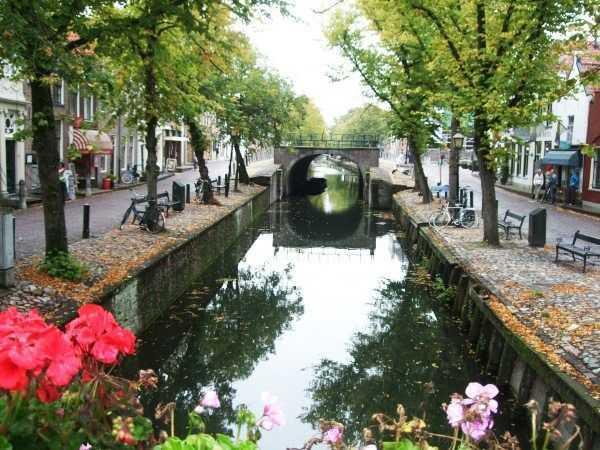 Edam kasabası kanal manzarası
