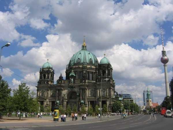 Berliner Dom ve TV Kulesi