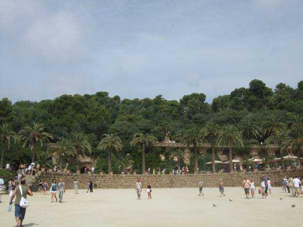 Park Güell'in yeşil bahçesi