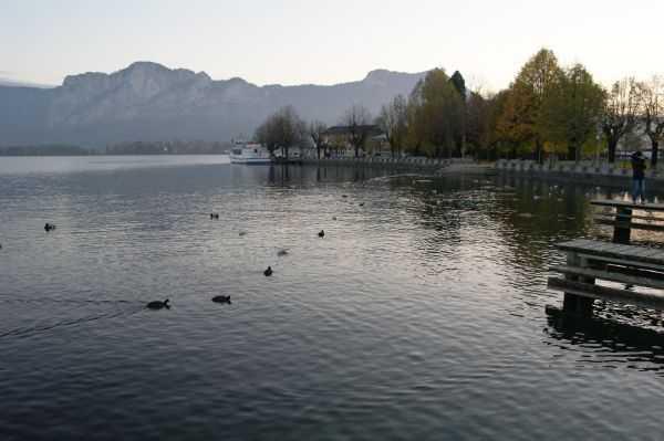 Mondsee Gölü