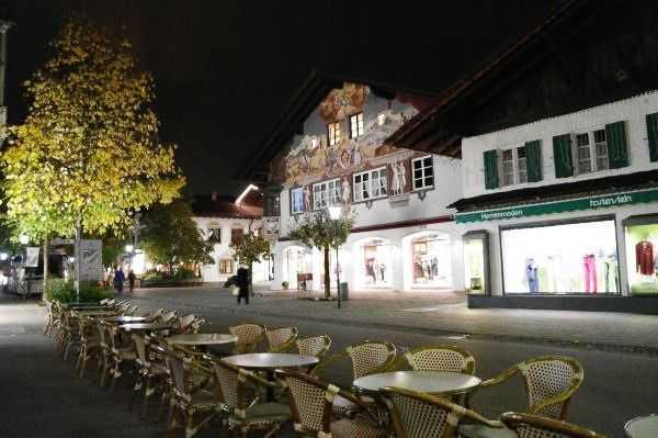 Garmish sokakları gece vakti...