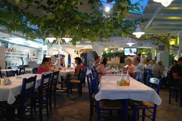 Thassos Limenas'da Mythos Restoranı