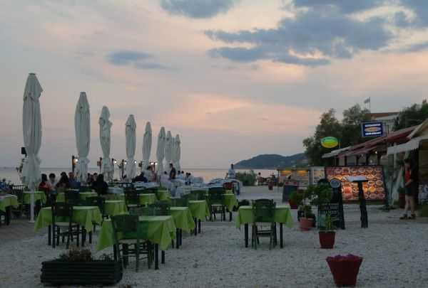 Limenaria sahilindeki şirin restoranlar