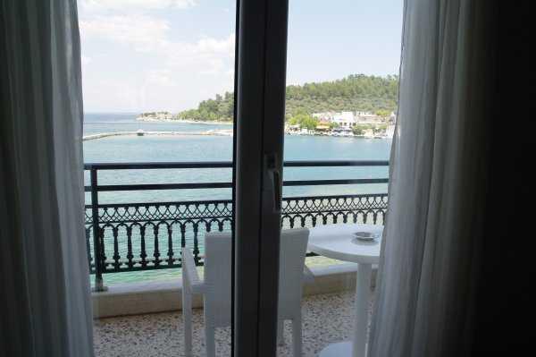 Angelica Hotel Odamızın Balkonu