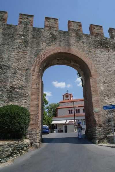 Selanik eski şehir bölgesindeki sur kapısı