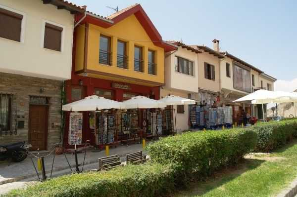 Selanik eski şehir bölgesindeki hediyelik eşya dükkanları