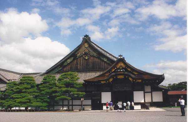 Osaka'da bir Şinto tapınağı
