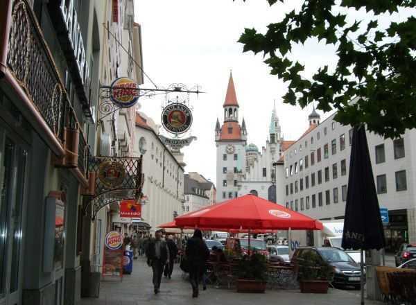 Marienplatz'ın arka sokakları