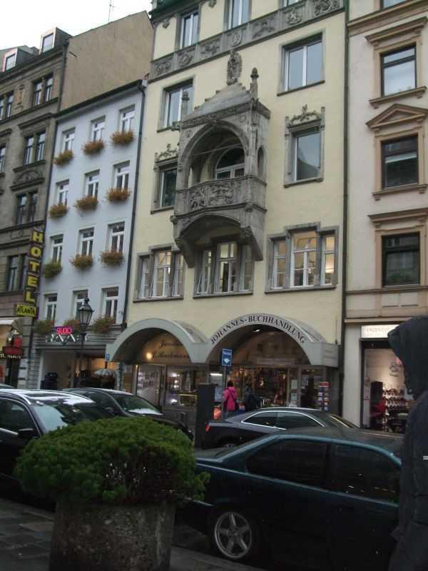 Sendlinger Tor civarındaki alışveriş caddeleri