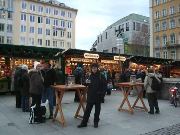 Marienplatz Noel Pazarları