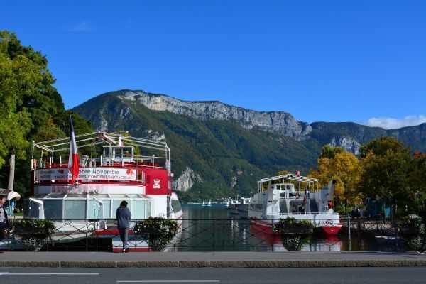Annecy Gölü ve Savoy Alpleri  - Fransa