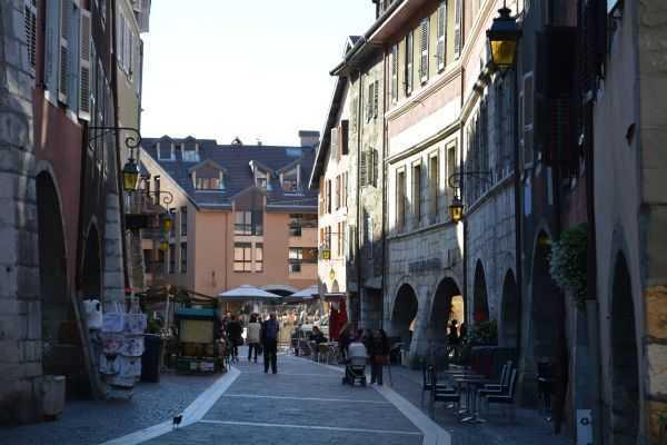 Annecy Alışveriş Sokakları ve Pasajlar