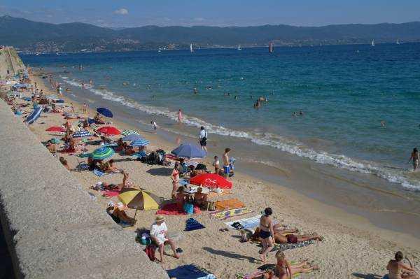 St. François Plajı