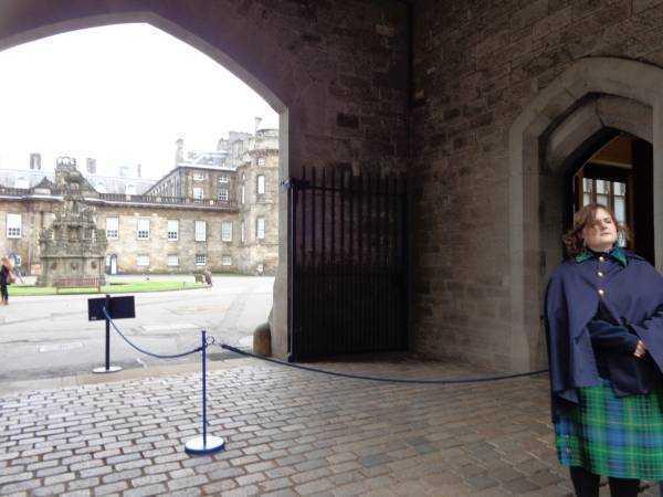 Holyroodhouse Sarayı Bahçesi - Edinburgh