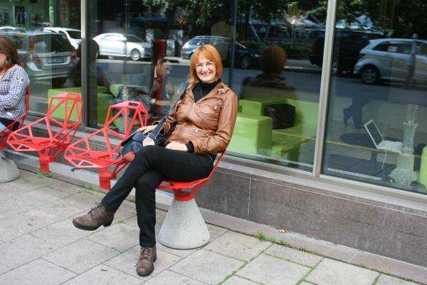 """Konstantin Grcic tasarımı """"Chair one"""" sandalyeler"""