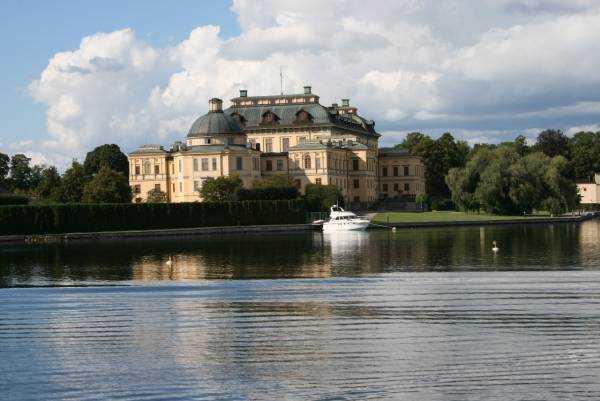 Drottningholm Sarayı…