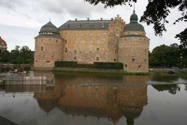 Svartån Nehri boyunca konumlanan Örebro Kalesi…
