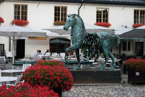 Hälls Bageri&Konditori kafeteryası 1910 yılından beri hizmet veriyormuş...