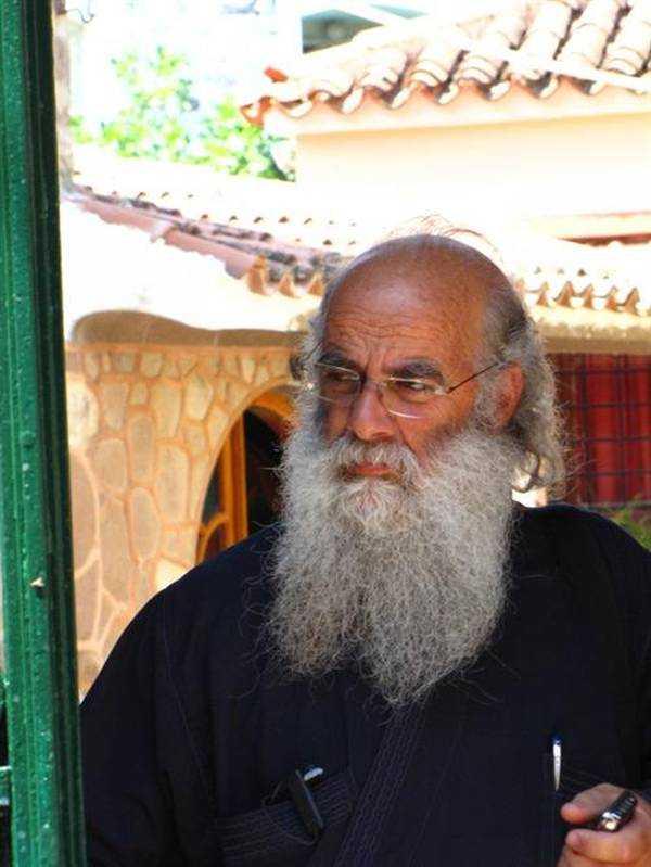 Kilisedeki Din Adamı...