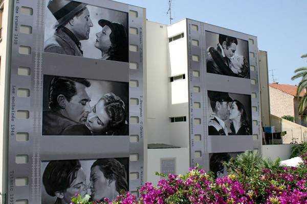 Les baisers de cinéma - Boulevard de la République - © www.cannes.com