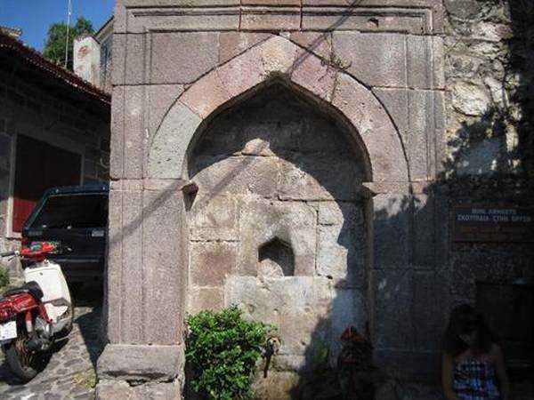 Molyvos'da Osmanlı İzleri