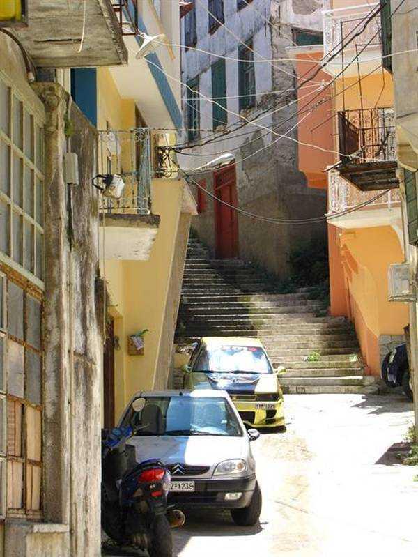 Plomari Sokakları