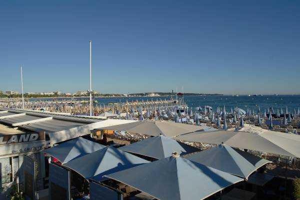 Cannes Özel Plaj