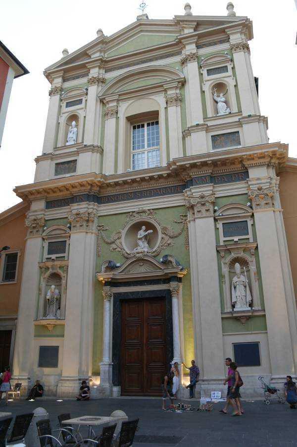 Place Rossetti  – Saint Reparate Katedrali