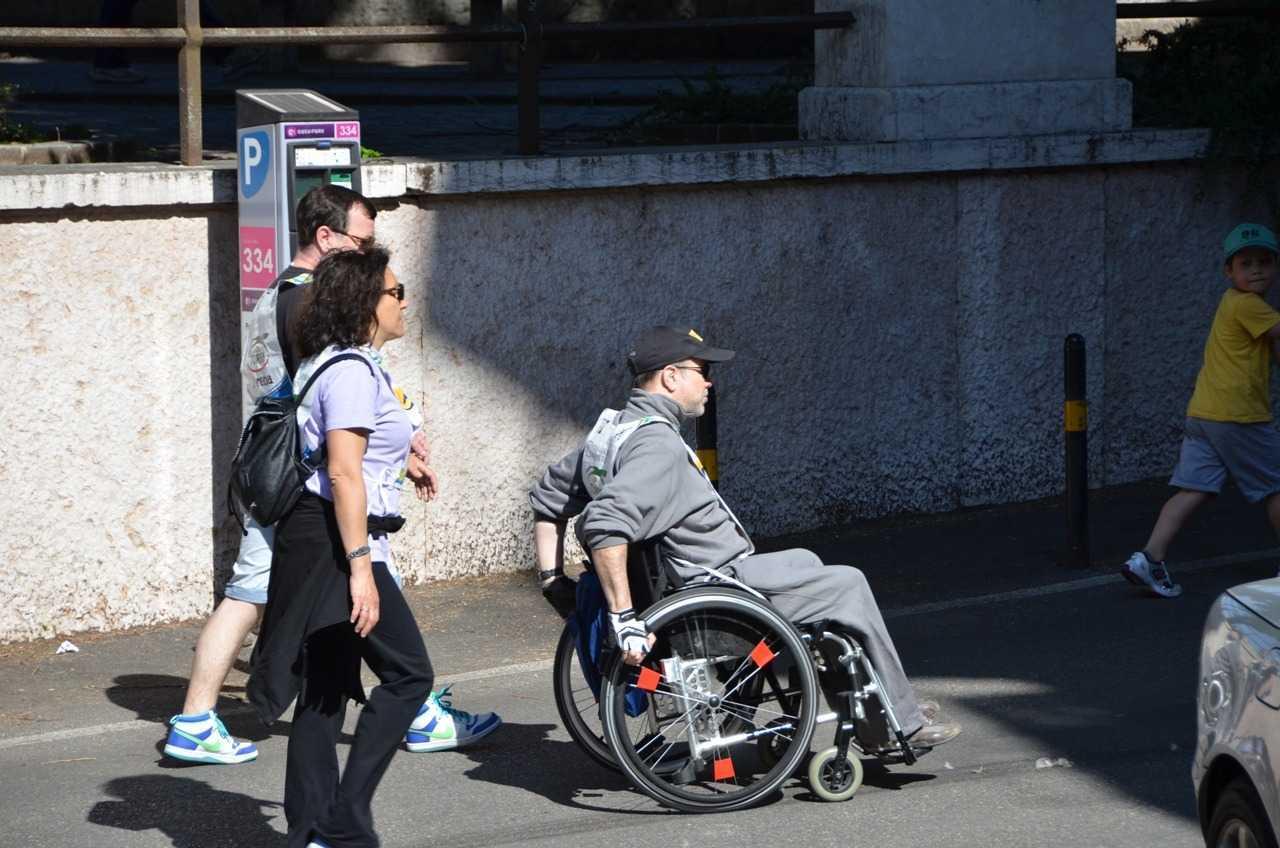 18 Mayıs Pazar günü engelliler yararına düzenlenen yarışmanın katılımcıları…