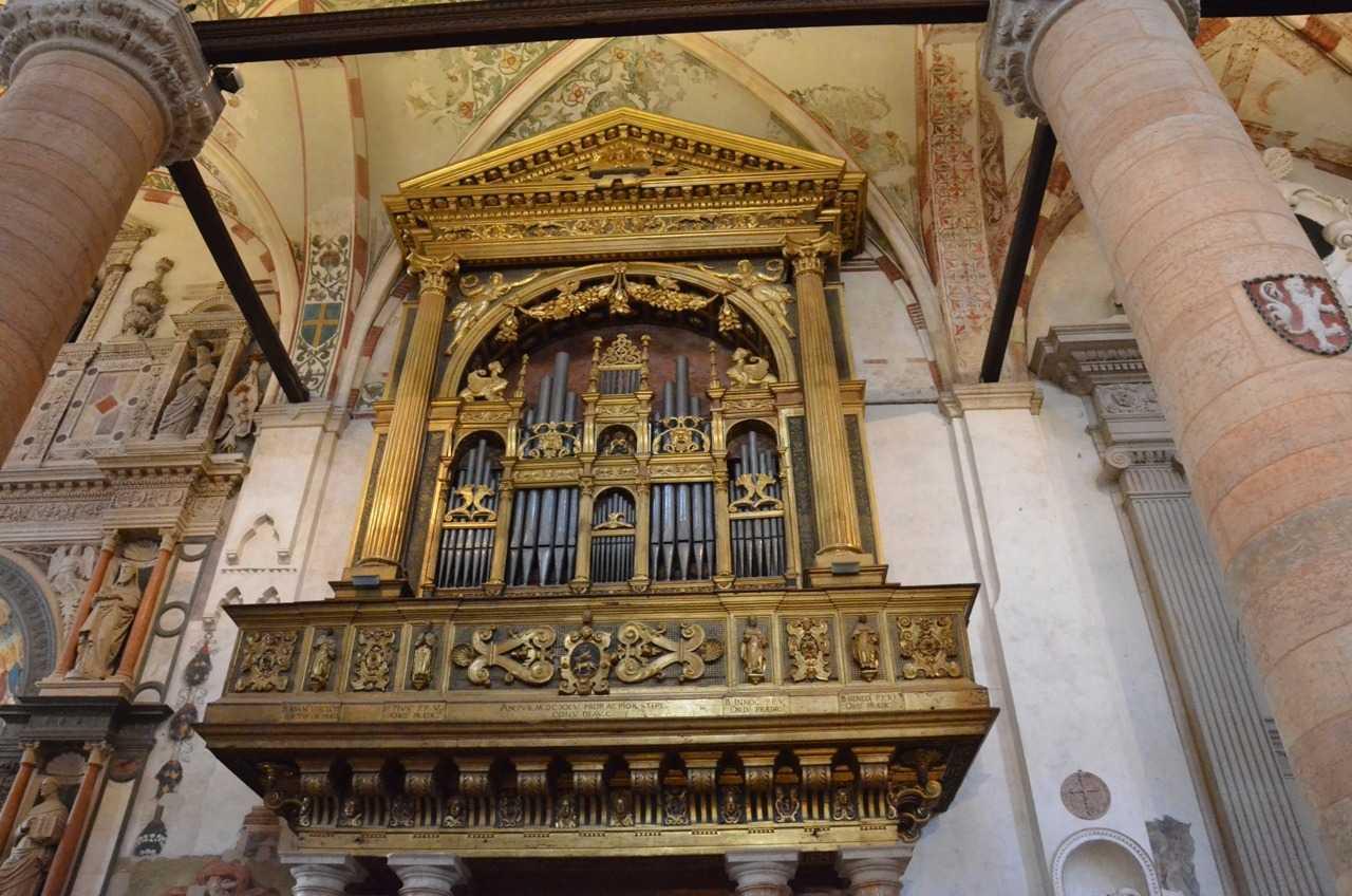 Basilica di Sant'Anastasia – Kilise orgu…