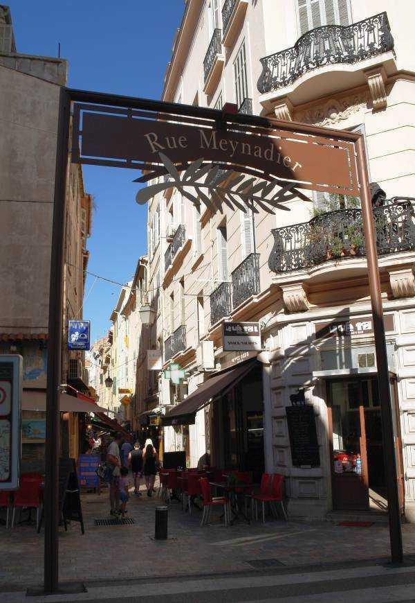 Rue Meynadier Girişi