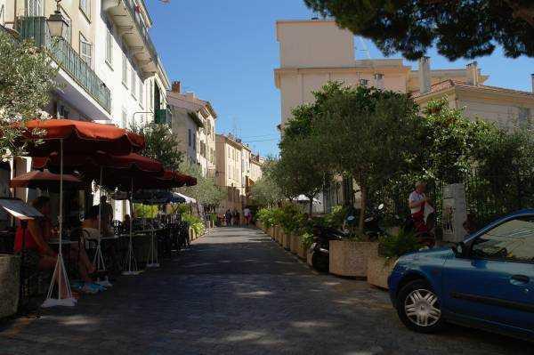Cannes - Suquet tepesine çıkarken...