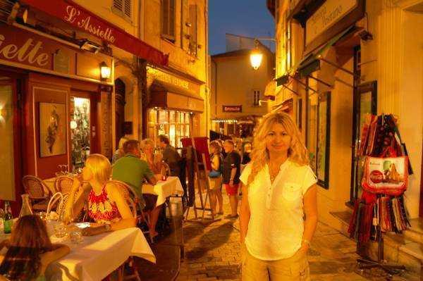 Saint-Antoine Sokağı gece turu...