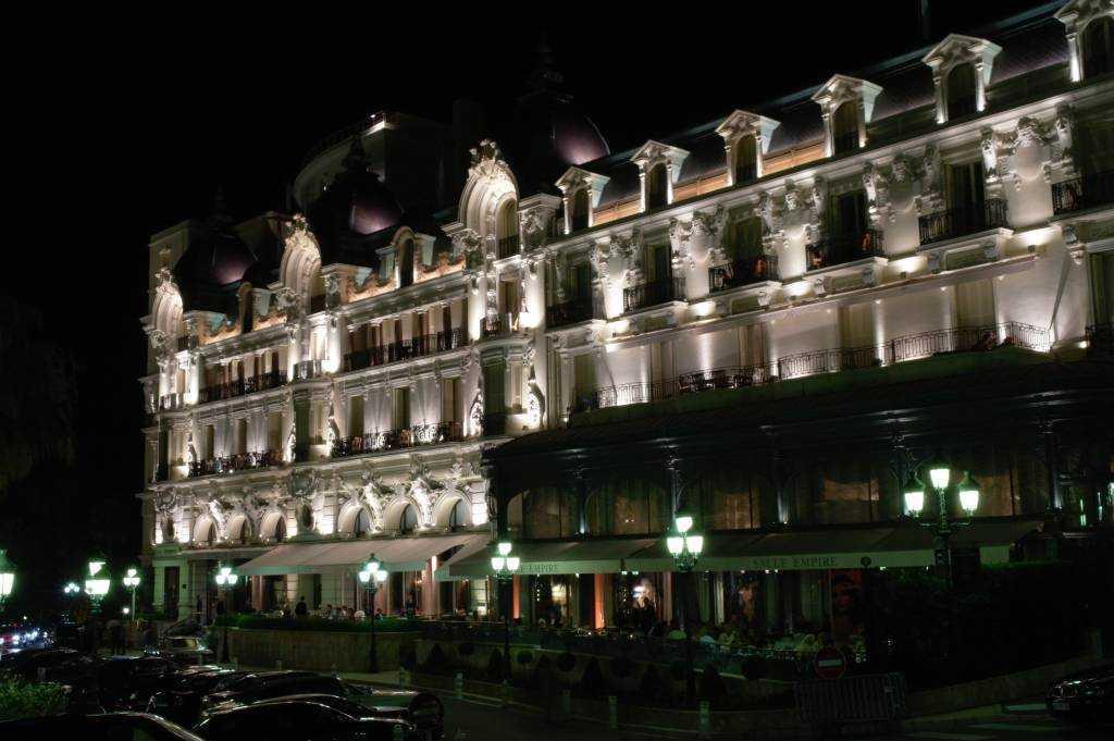 Cafe De Paris Hotel