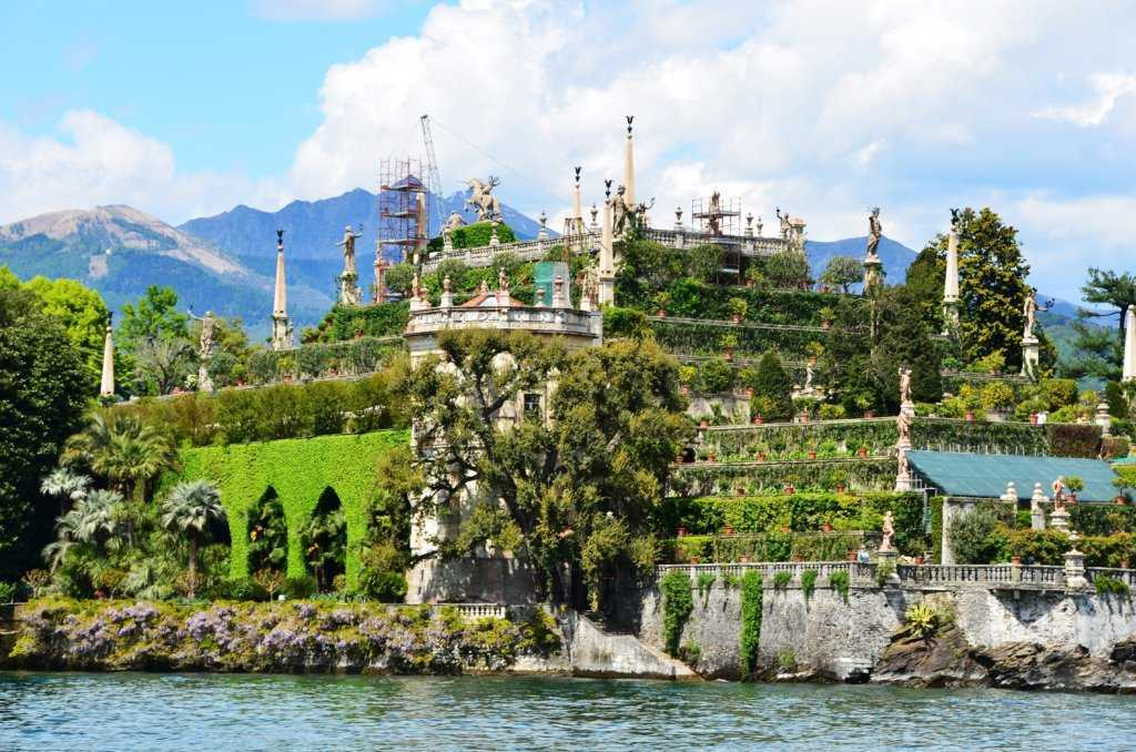 İtalya'nın ikinci büyük gölü Lago Maggiore – Isola Bella (Güzel Ada) - Palazzo Borromeo…