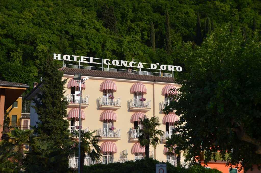 Garda Gölünde yemyeşil bir coğrafyadaki Garda Kasabası…
