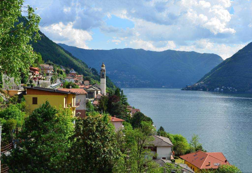 Como- Bellagio yolu arasında bir bölge…