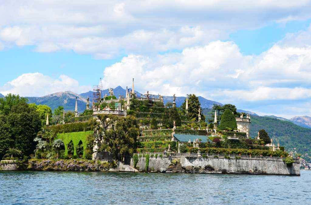Isola Bella adasındaki Palazzo Borromeo sarayının 10 katlı bahçesi…