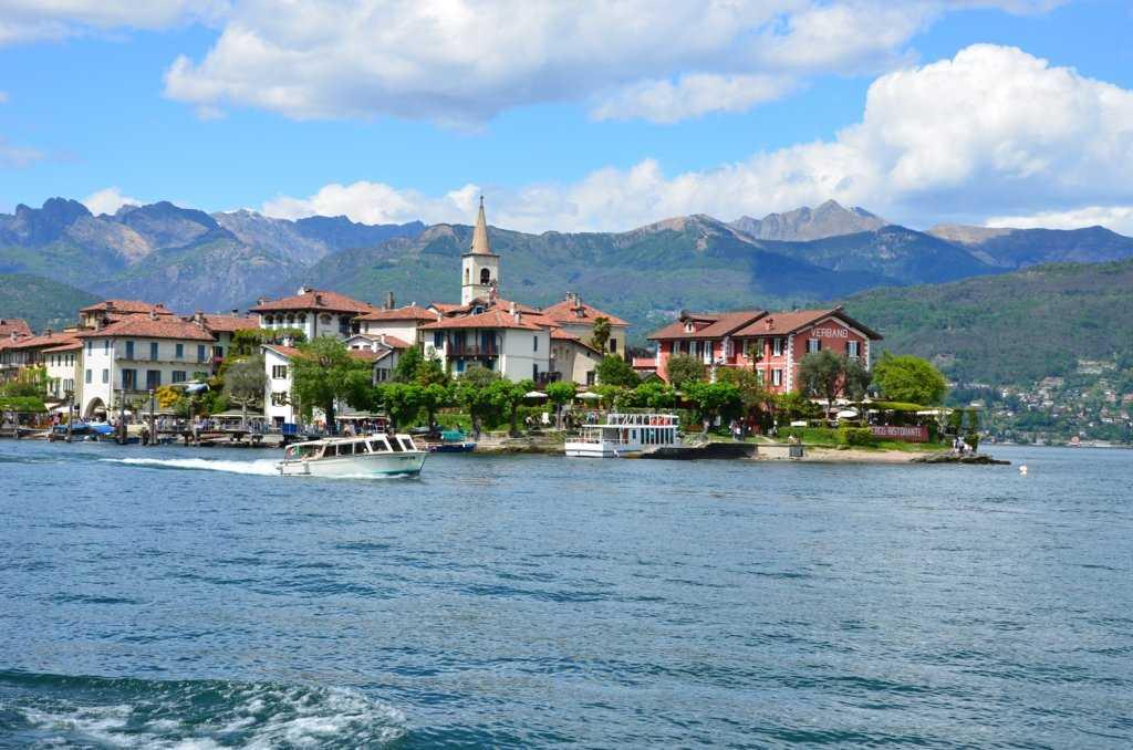 Isola Superiore veya Isola dei Pescatori, Stresa – Maggiore Gölü…