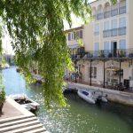 Fransız Rivierası'nda kanallar üzerinde bir masal kasabası...