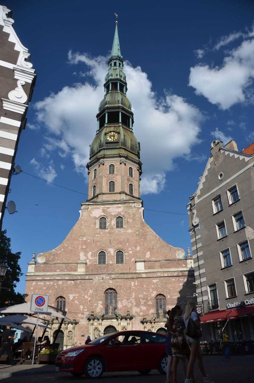 Letonya'nın başkenti Riga'da St. Peter's Kilisesi - Svētā Pētera Evaņģēliski Luteriskā Baznīca…