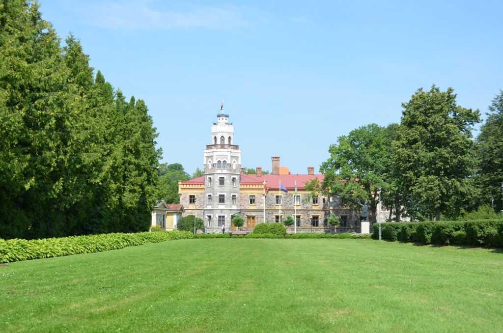 Letonya'daki Sigulda kentinde yeni kale…