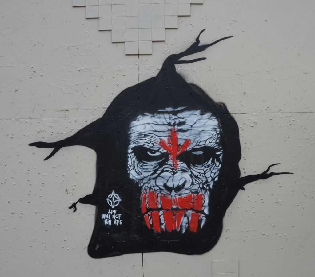 Riga duvar resimlerinden biri…